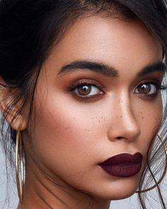 Best Makeup Dark Lipstick Burgundy Lips Ideas - Make Up Lip Makeup, Makeup Tips, Makeup Ideas, Dark Lips Makeup, Dress Makeup, Makeup Geek, Freckles Makeup, Easy Makeup, Simple Makeup