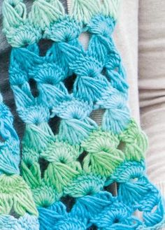 Splash Fest Broomstick Lace Scarf - Knitting Patterns and Crochet Patterns from KnitPicks.com
