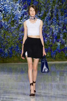 Christian Dior at Paris Fashion Week Spring 2016 - Runway Photos Christian Dior, Star Fashion, Fashion Show, Paris Fashion, 2016 Fashion Trends, Milano Fashion Week, Spring Summer 2016, Fall 2016, Fashion Killa