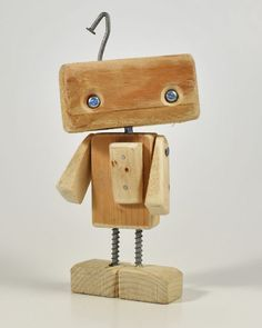 iLA the Alleybot - AlleyLux - wood projects - Holz Ideen Wood Crafts, Fun Crafts, Diy And Crafts, Crafts For Kids, Wood Carving Tools, Small Wood Projects, Kids Wood, Wood Toys, Woodworking Crafts