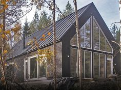 fi Modern prefab homes Cottage Design, House Design, Modern Prefab Homes, Small Buildings, Girl House, Cottage Living, Sustainable Architecture, Cabins In The Woods, Rustic Farmhouse