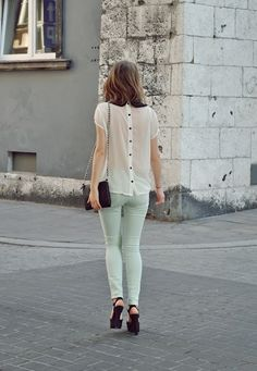 Love the buttoned back style