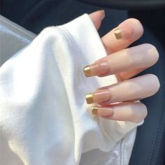 Chic Nails, Glam Nails, Classy Nails, Stylish Nails, Trendy Nails, Gold Tip Nails, Jugend Mode Outfits, Fire Nails, Minimalist Nails