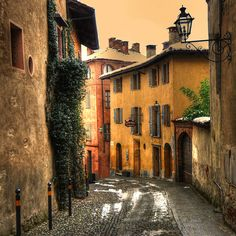 Italy on the brain. Saluzzo, Piedmont, Italy (by rinogas)