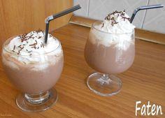 300 ml piima 1 spl. nutellat 1 banaan 3 jääkuubikut Pane kõik blendrisse ja serveeri vahukoorega.