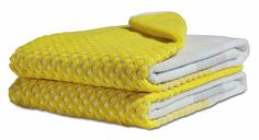 Towel Handtuch HAY Towel Handtuch Badetuch 140 x 70 cm gelb The post Towel Handtuch appeared first on Wohnaccessoires. Linen Towels, Guest Towels, Cotton Towels, Yellow Baths, Yellow Bathrooms, Bathroom Towels, Bath Towels, Cosy Bathroom, Yellow Towels