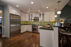 Energetic Eat-In Kitchen - contemporary - kitchen - st louis - Mosby Building Arts @Wellborn Cabinet Inc.  #WellbornCabinet #Glacier