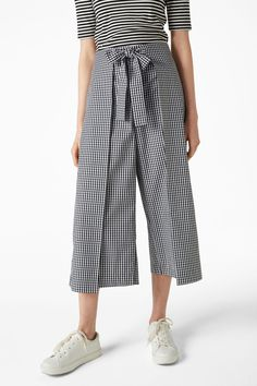 Culotte pants with tie detail - black magic/check it out - Trousers & shorts - Monki GB