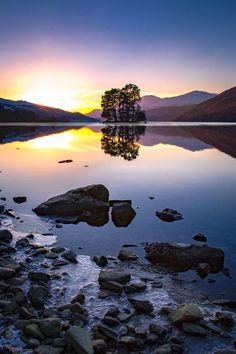 """""""Stunning sunset over Loch Tay 💜 Who would YOU take to enjoy it with? Hold My Heart, Tourist Board, Cairngorms, Let Me Go, Enjoy It, Scotland, River, Shit Happens, Sunset"""