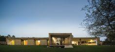 The Hill Cork House  / Contaminar Arquitectos