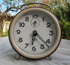 Vintage alarm clock. French vintage JAZ alarm by LaBonneVie72
