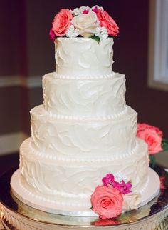 Photo by: Cara Dee Photography.   #ptopofthebluegrass #ptopweddings2016 #weddingplanner #weddingphotography #weddingcake #weddingdesserts #weddingflowers #weddingideas #weddingreception #weddingdecor