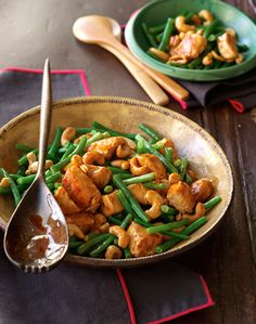 The Deen Bros Stir-Fried Chicken with Green Beans and Cashews