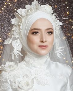 Good morning ladies, the first share of the day is a beaut . Muslimah Wedding Dress, Disney Wedding Dresses, Muslim Brides, Pakistani Wedding Dresses, White Wedding Dresses, Bridal Dresses, Muslim Couples, Hijab Bride, Muslim Fashion