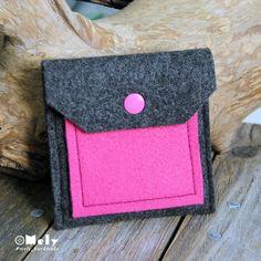 Piccolo portamonete/portatutto da borsa in feltro grigio scuro e taschina in feltro fucsia di MelyHandmade su Etsy
