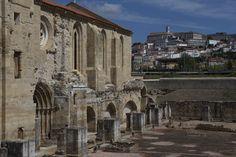 A vista que se tem da Universidade de Coimbra desde o Mosteiro de Santa Clara-a-Velha: a não perder