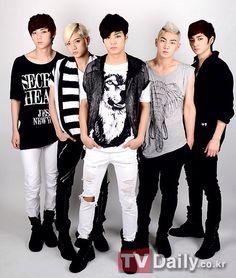 Nu'est Intro - (Left to right) Minhyun, Ren, Jr, Baekho & Aron