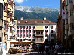 The Innsbruck old town is full of historic and architectural gems within easy walking distance of each other. This is my list of the top 10 things to see and do in and around the historic old town of Innsbruck, including some insider tips. Travel Money, Old Town, Times Square, Street View, Europe, Architecture, Building, Places, Christmas Markets