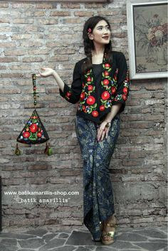 batik amarillis's miss popon  ORDER NOW at Batik Amarillis webstore :www.batikamarillis-shop.com Lovely Kebaya encim inspired and designed which features 3D Hungarian stumblework embroidery style, wear it over Miss Popon Camisole and The Warrior pants or any kind of bottoms will do nicely with this lovely Miss Popon #kebayaencim#kebaya#hungarianembroidery