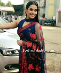 14 Super Trendy Blouse Designs Sported by Anita Hassanandani – South India Fashion Saree Jacket Designs, Saree Blouse Patterns, Sari Blouse Designs, Kurta Designs, Shagun Blouse Designs, Stylish Blouse Design, Trendy Sarees, Elegant Saree, Saree Dress