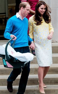 william and kate hold hands as they leave st mary's hospital