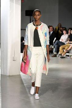 01_TheresaDeckner_Look01Painting on the coat?