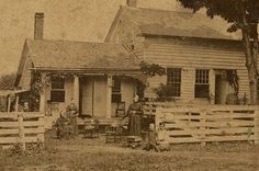 Civil War Photo - This picture is amazing. I love the house. Vintage Pictures, Old Pictures, Old Photos, American Civil War, American History, Carolina Do Sul, Westerns, Civil War Photos, Old Farm Houses