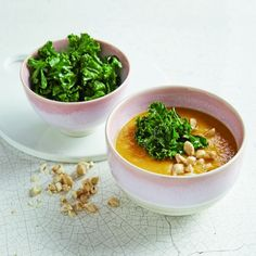 Itsu's sweet potato and crispy kale soup Kale Soup Recipes, Curry Recipes, Healthy Recipes, Healthy Food, Healthy Eating, Vietnamese Chicken Curry, Summer Lunch Recipes, Vegetarian Soup, Veggie Soup