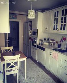 Beyaz mutfak, Country mutfak, Halı, Mutfak, Mutfak masası