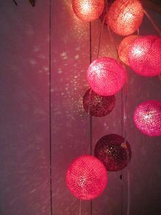 Värien vankina: Happy Lights