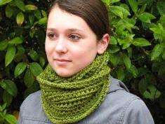 Emerald Isle Cowl Knitting Pattern