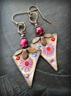 Enameled Copper Earrings Pink Earrings Retro Vintage by YuccaBloom Funky Earrings, Copper Earrings, How To Make Earrings, Copper Jewelry, Beaded Earrings, Earrings Handmade, Enamel Jewelry, Jewelry Findings, Artisan Jewelry