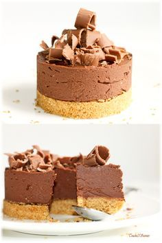 Chocolate agar ricotta cheesecake - Touche de Saveurs - I offer you this delicious no-bake cheesecake prepared in no time for express chocolate desserts or - Chocolate Muffins, Chocolate Cheesecake, Chocolate Desserts, Köstliche Desserts, Delicious Desserts, Dessert Recipes, Light Cheesecake, Cheesecake Recipes, Ricotta Cheesecake