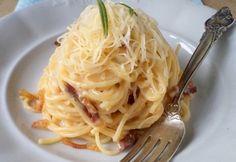 TOP 12 recept, ha zárva a közért Hungarian Recipes, Italian Recipes, Easy Spaghetti Carbonara, Pasta Noodles, Bon Appetit, Pasta Recipes, Bacon, Food Porn, Food And Drink