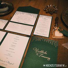 """Gefällt 0 Mal, 0 Kommentare - Hochzeitseinladungen  Co (@hochzeitsgrafik.at) auf Instagram: """"So schön... Smaragdgrün Pocketfolds mit goldenem Blätterregen Foto und Design:…"""" Cover, Instagram, Design, Nice Asses"""