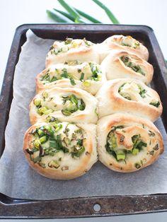 Vegan spring onion buns