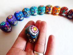 Mini Mexican skull / Mini crâne mexicain #mexican #sugar #skull #crâne #mexicain #mexikanisch #Schädel #dayofthedead #diadelosmuertos #tattoo #boho #chic