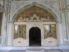 Arched portal, Turkish door