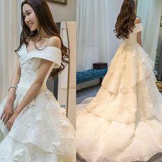 Long A-line Off Shoulder Glamorous Floor-Length Princess Lace Ruffles Wedding Dresses, WD0090