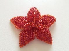 You asked me to do my English explanation of making a leaf of beads you have seen in my Russian video. Seed Bead Flowers, French Beaded Flowers, Jewelry Patterns, Beading Patterns, Seed Bead Jewelry, Beaded Jewelry, Peyote Beading, Beaded Brooch, Beaded Ornaments