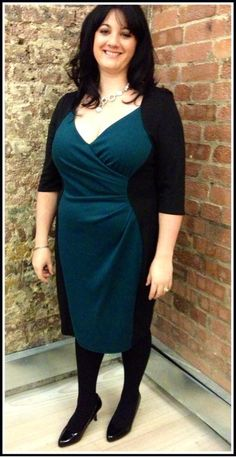0b000c1d7d7 Laura looks gorgeous in the Jewel Teal Powerfit™ Dress at the   WearItForAutism charity fashion