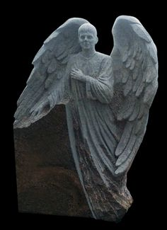 rzeźba nagrobna - anioł  chłopiec