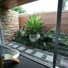 Steal these cheap and easy landscaping ideas for a beautiful backyard. Get our best landscaping ideas for your backyard and front yard, including landscaping design, garden ideas, flowers, and garden design. Small Garden, Better Homes And Gardens, Small Backyard, Small Garden Design, Small Gardens, Front Yard