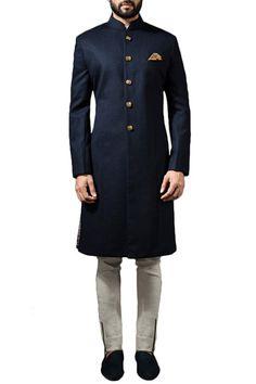 Buy Midnight blue sherwani with ivory linen trousers by Sarah & Sandeep at Aza Fashions Blue Sherwani, Wedding Kurta For Men, Kurta Pajama Men, Urban Fashion, Mens Fashion, Achkan, Indian Heritage, Linen Trousers, Traditional Dresses