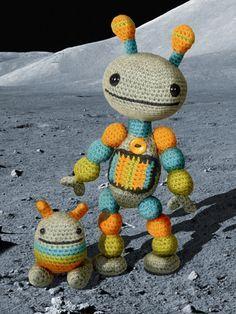 Crochet robot amigurumi