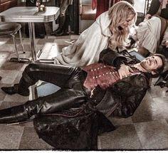 Funny Colin O'Donoghue - Killian Jones - Captain Hook - Emma Swan - Jennifer Morrison - Once Upon A Time
