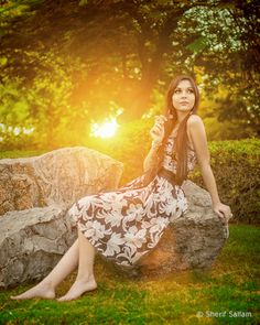 Portrait Posing Ideas for Female Subjects in 14 Photos