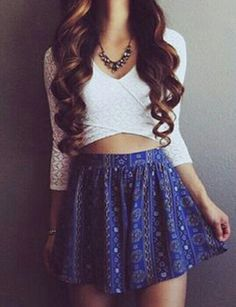 Lovin' that crop top and that skirt