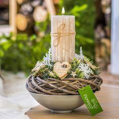 Vánoční svícen na stůl přírodní  Květinářství Floresco  Vyrobila Šárka Pleskačová