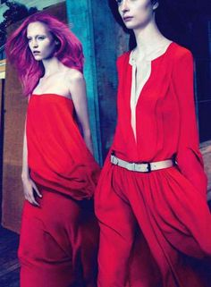 80 Scarlet Outfits for Holiday Parties - From Sultry Crimson Dresses to Fiery Vintage Gowns